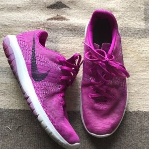 Nike Flex Tennis Shoe, EUC ✨